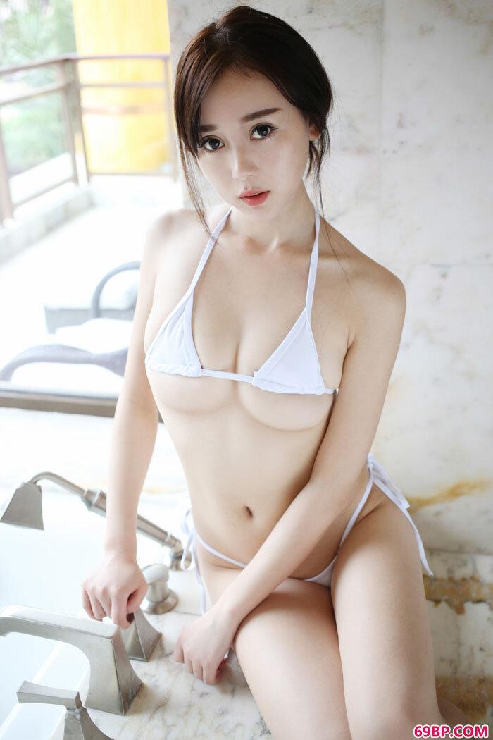 湿身赵小米浴室私照美臀香乳遮不住_西西人体芝木专业网