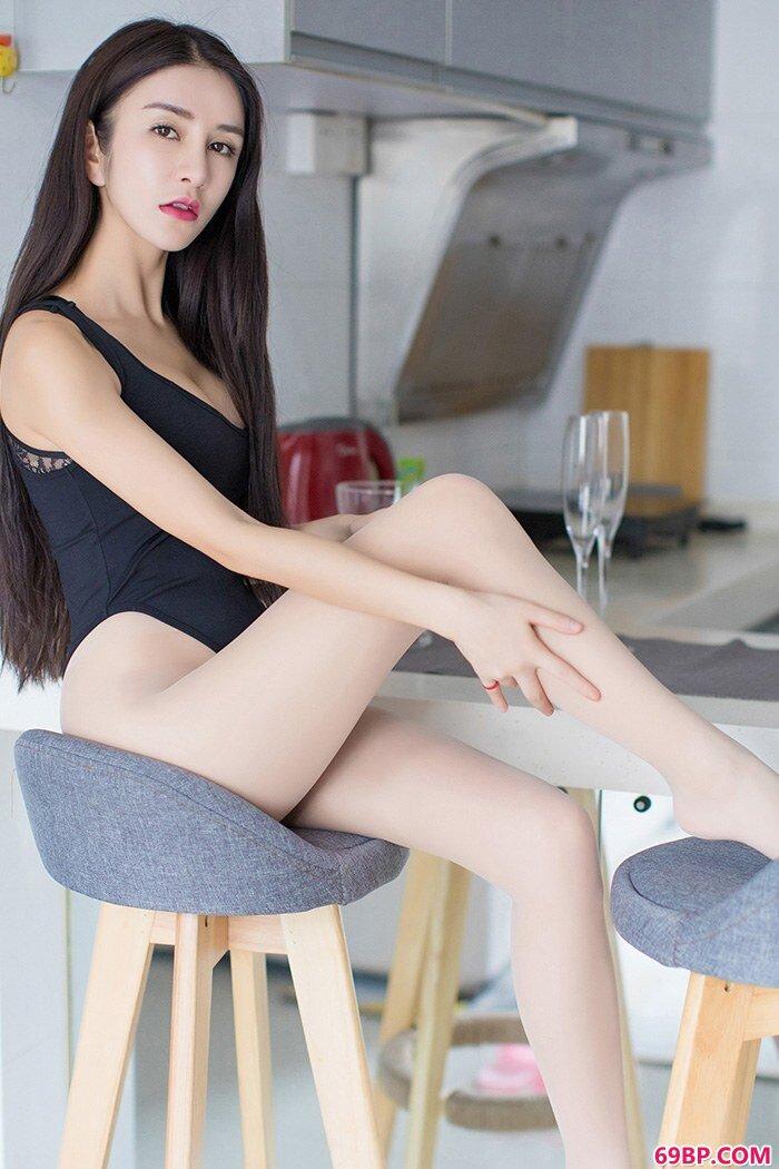 绝品嫩妹李七喜全裸上阵性感大胆_gogo人体国模新版摄影