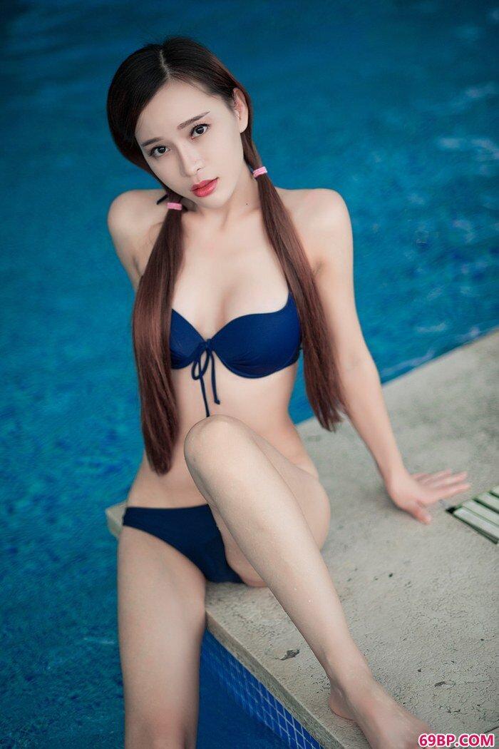性感美女艾小青娇舌软嫩秀完美身段_人体艺术王