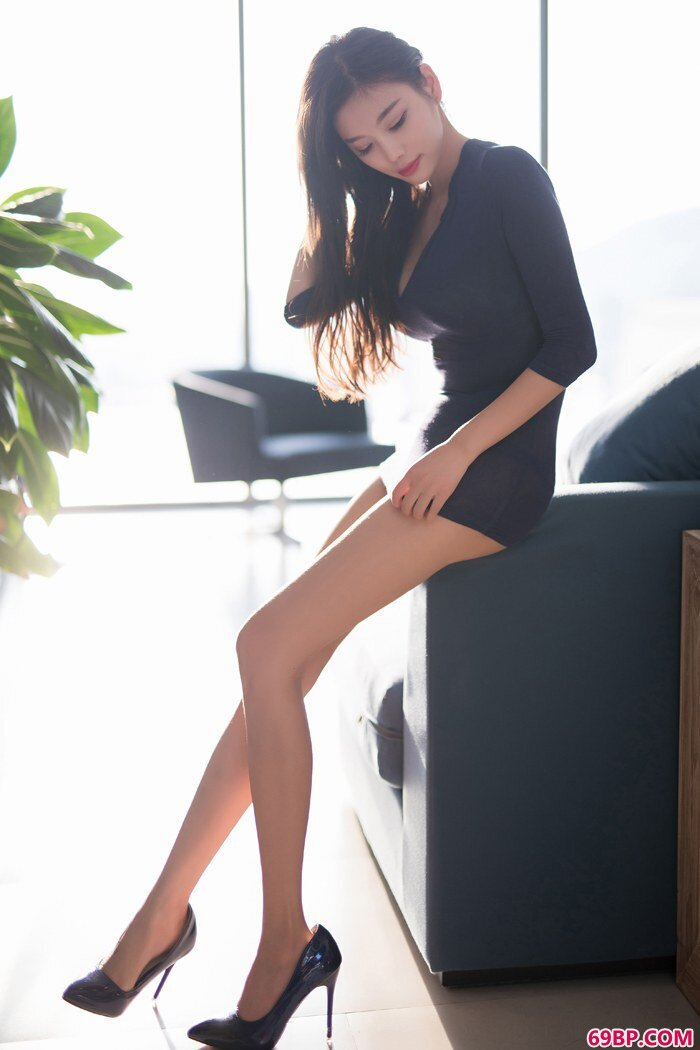 长腿御姐杨晨晨泳池湿身诱惑美的窒息_俄罗斯美女粉嫩p