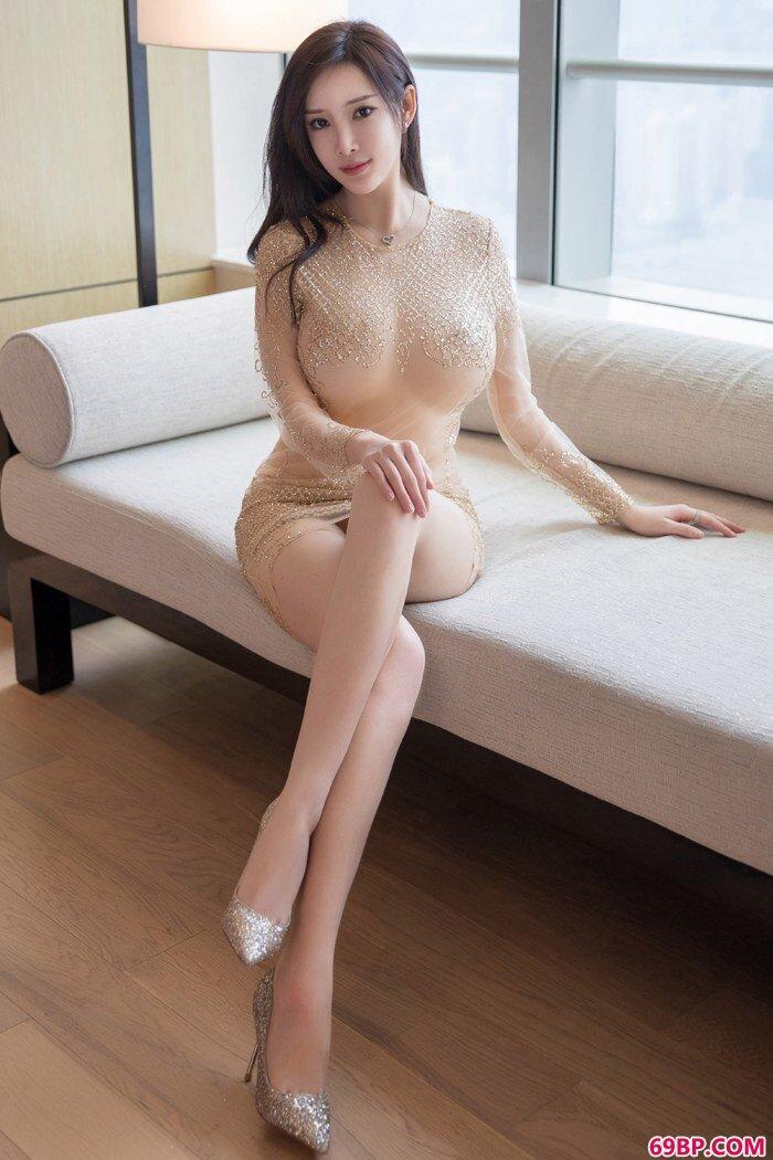 国民御姐周妍希前凸后翘胴体甜美润滑_gogo西西裸模大胆大尺寸人体
