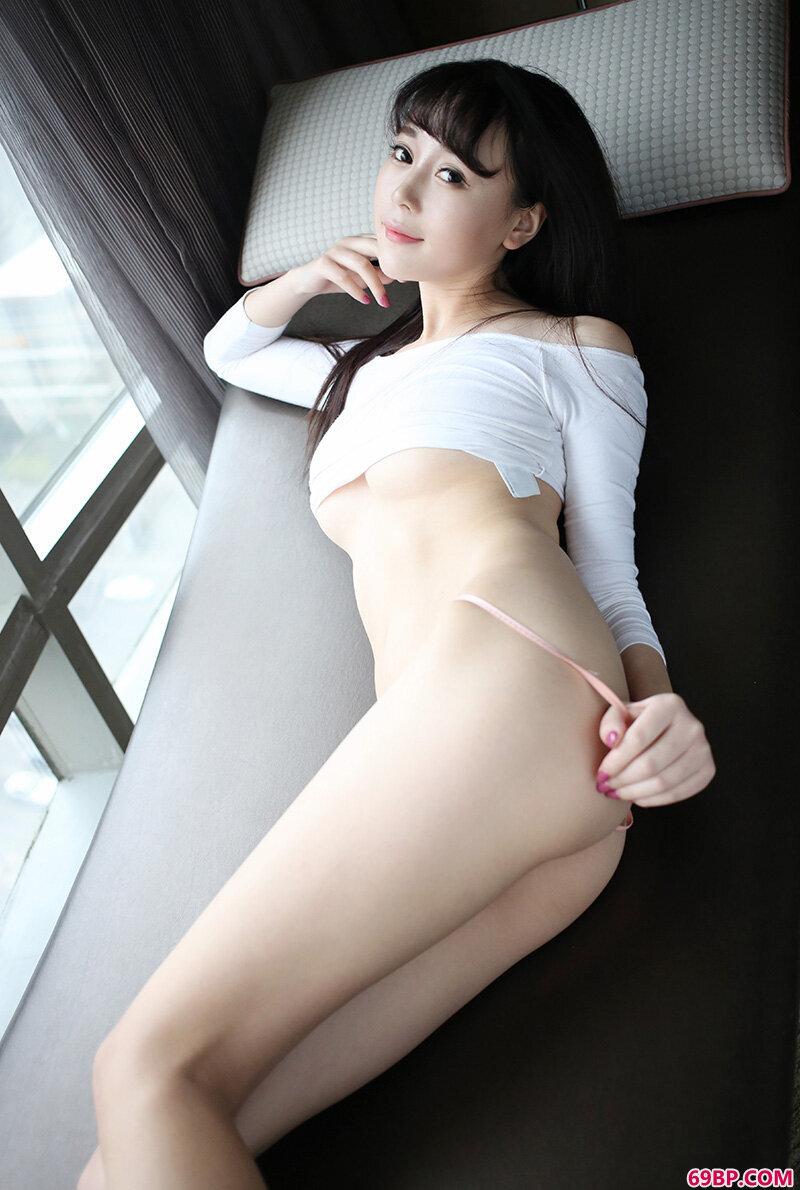 漂亮而性感赵小米Kitty火爆身材热辣惊艳_西西人体高清人胆y私拍
