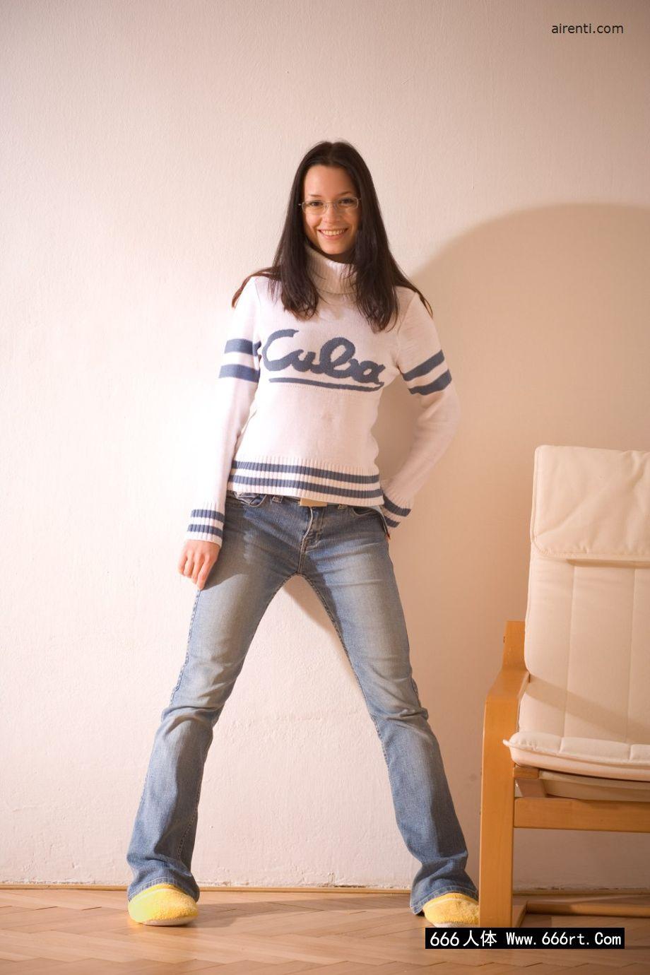 美国高中的学生凯瑟琳在家自拍内裤写照_学生自拍20p