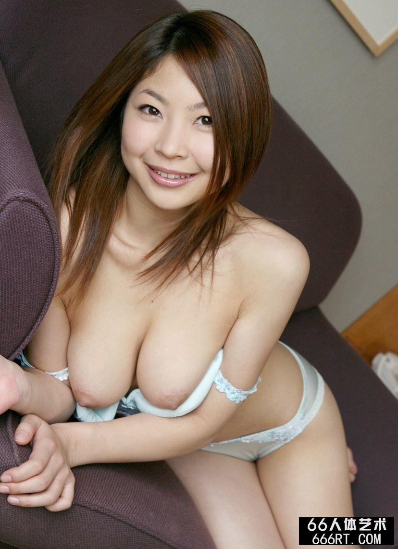 丰腴的圆脸妹子的香坂杏奈
