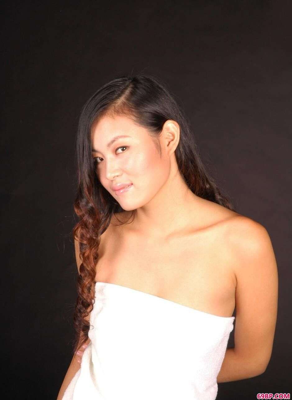 gogo日本美女人体艺术,嫩模杜莲羊毛毯上的清唯美体1
