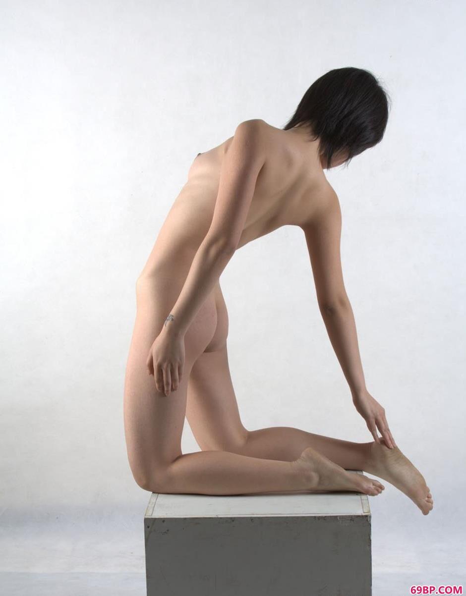 超模林阳室拍高处不胜寒1,西西正版人体艺术展
