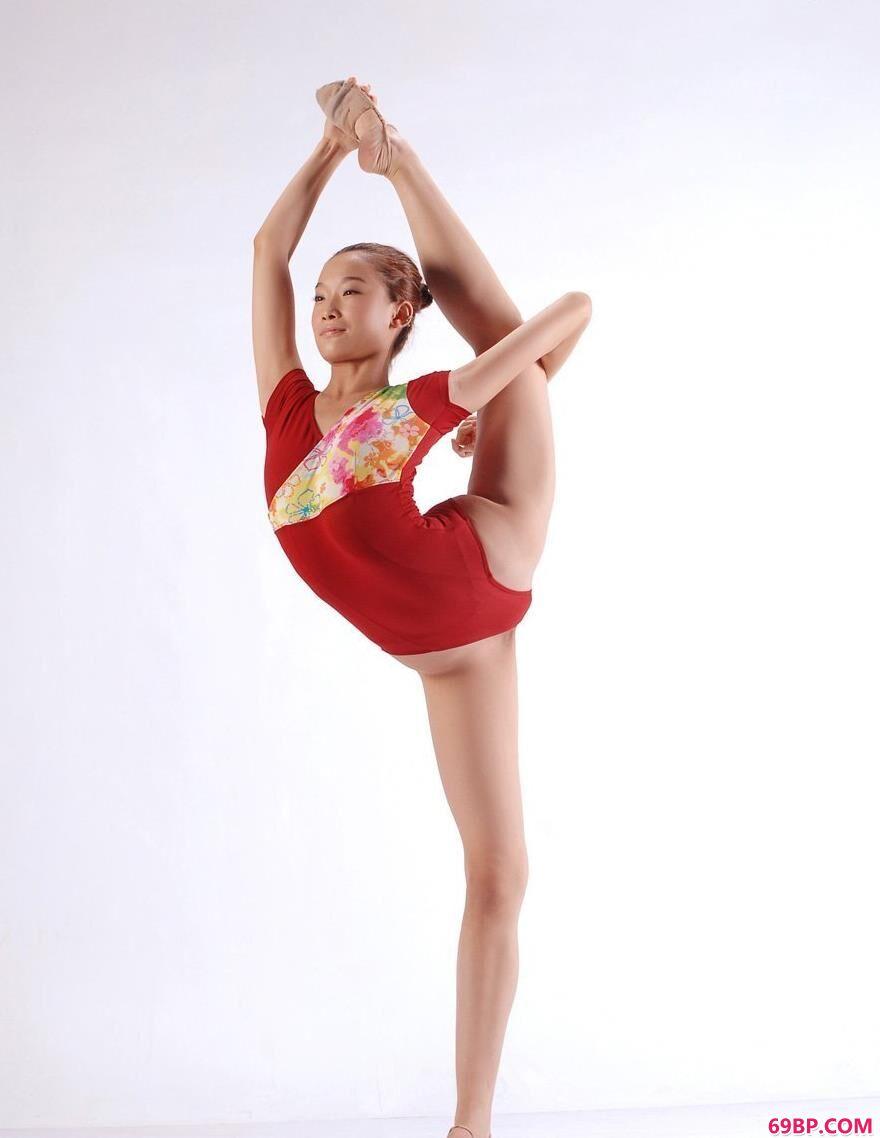 下一篇护士喂不饱_广东艺术体操队队员艺术之美2