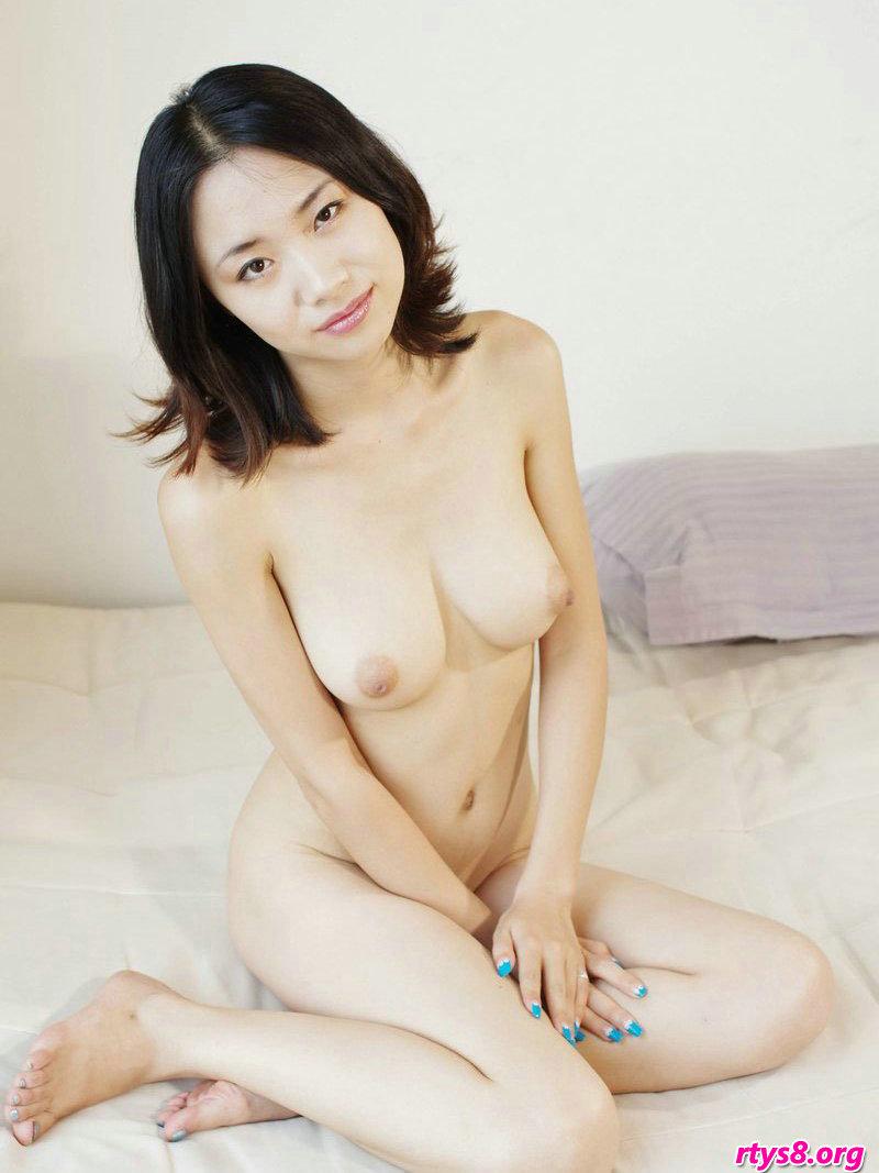 人体模特张筱雨_皮肤白皙的嫩模琳琳私人住宅拍摄人体