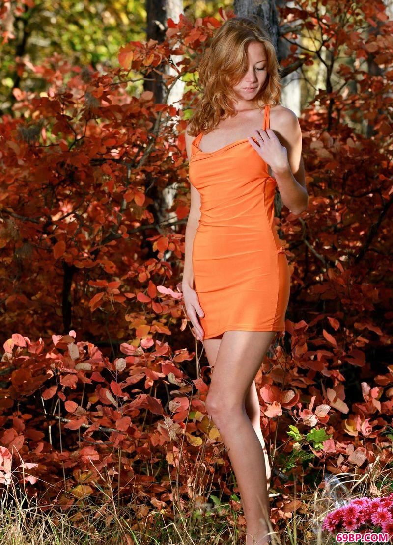 日本全裸人体艺术图片,红树下的美人Diana
