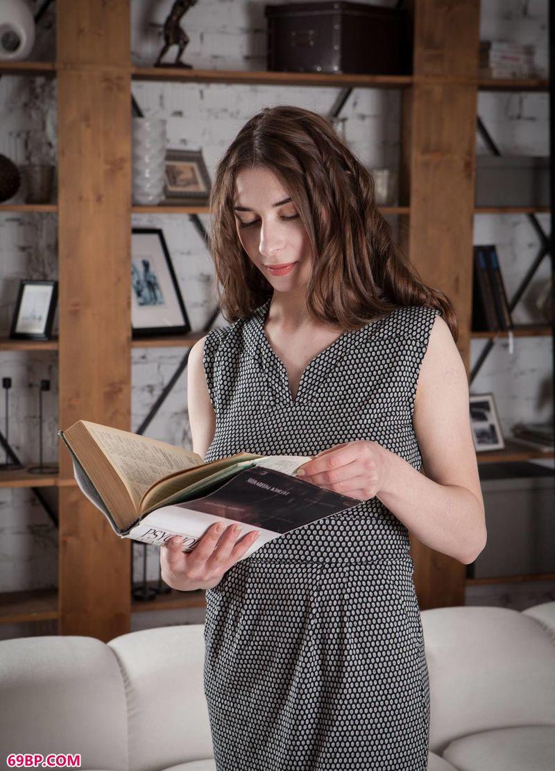 读书时间妹子Clary_疯狂的爱广场舞32步金枝