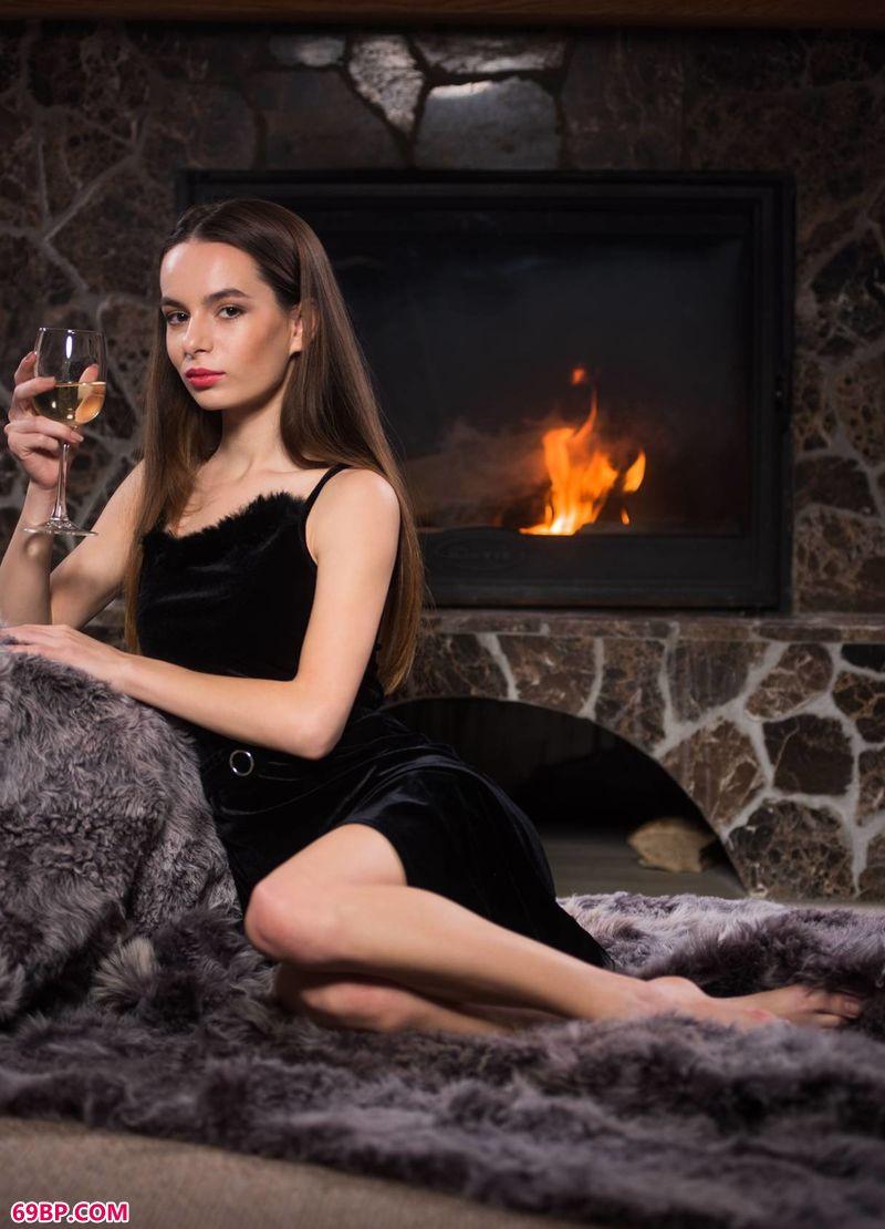 红酒之夜美人Debora